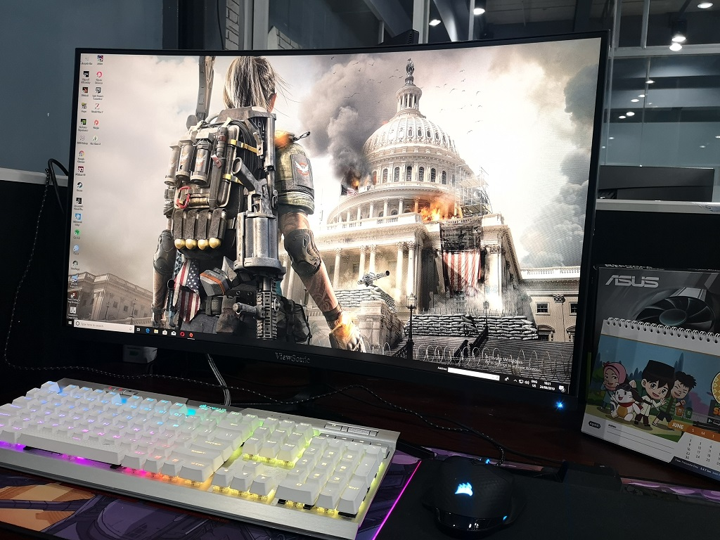 Begini Rasanya Monitor Gaming Lengkung ViewSonic VX3258