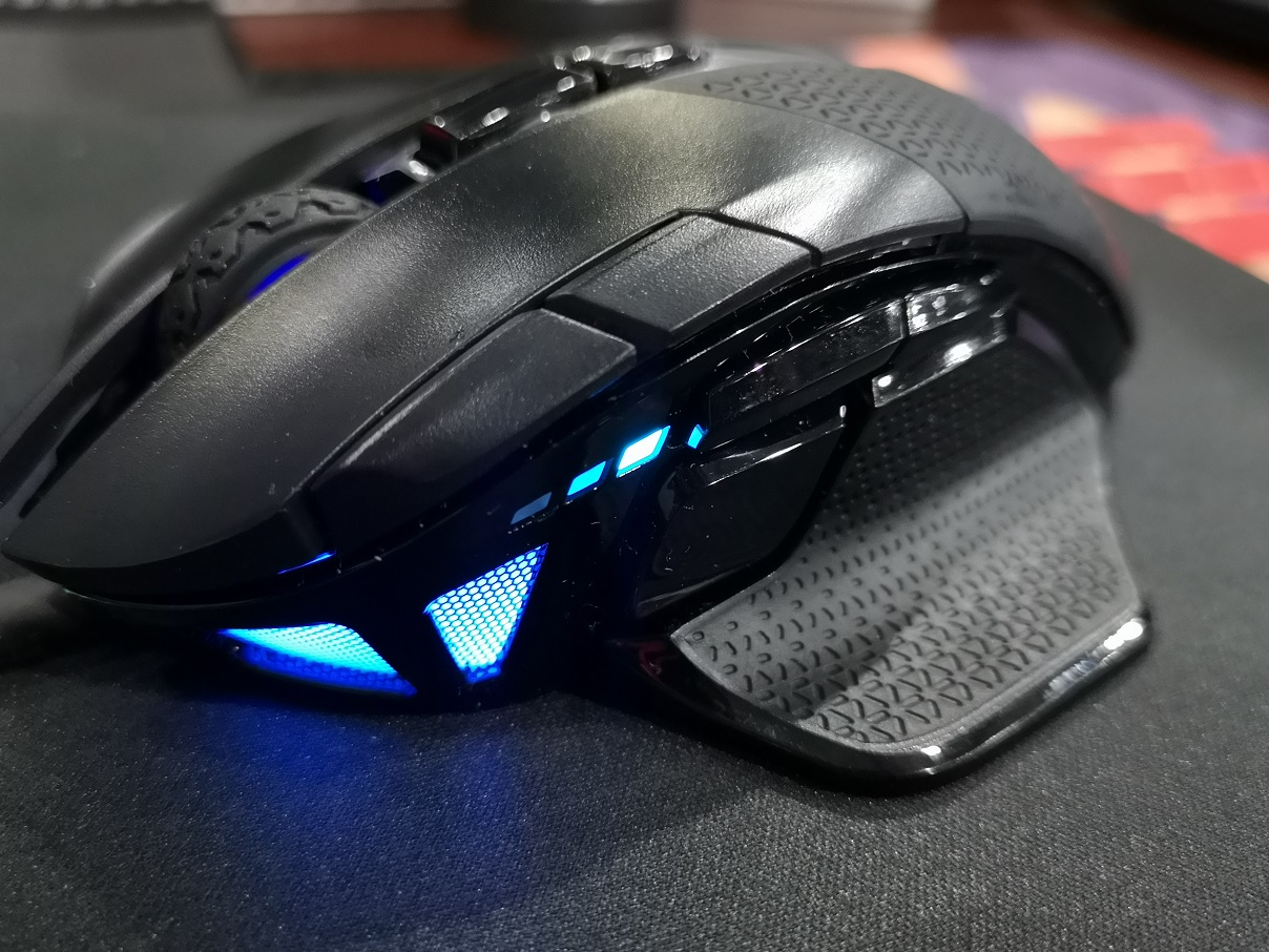 Corsair Nightsword RGB, Kompetitif dan Presisi