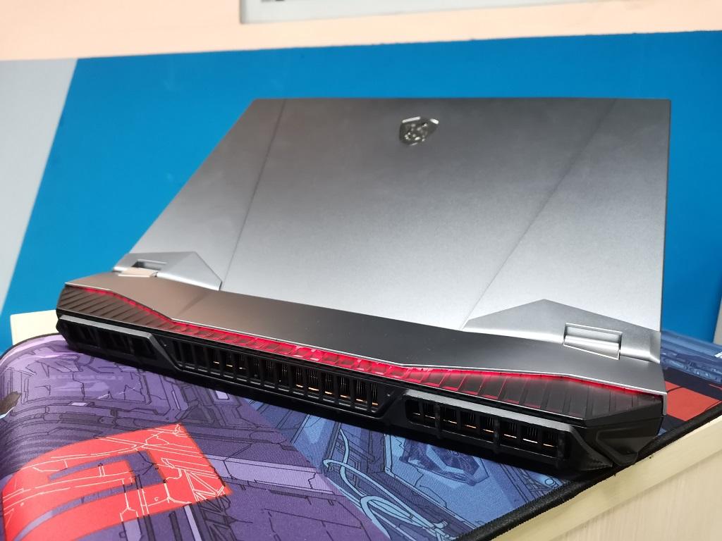 MSI GT76 Titan, Bertenaga dan Desainnya Mirip PC Gaming