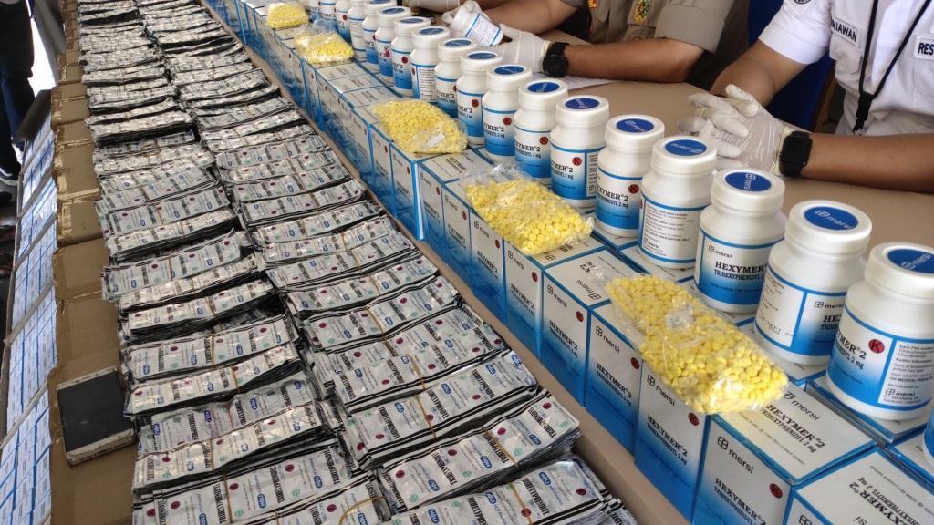 Polisi Ungkap Penjualan Tramadol Rp20,5 Miliar
