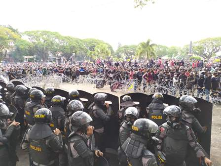 Aksi Demo Berpotensi Sebarkan Covid-19