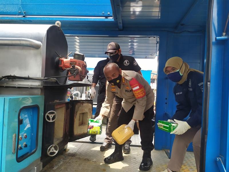 Polres Metro Tangerang Kota Musnahkan 200 Kg Ganja dan Sabu
