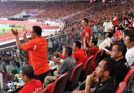 Anies tak Masuk Daftar Pendamping Jokowi Menyerahkan Piala