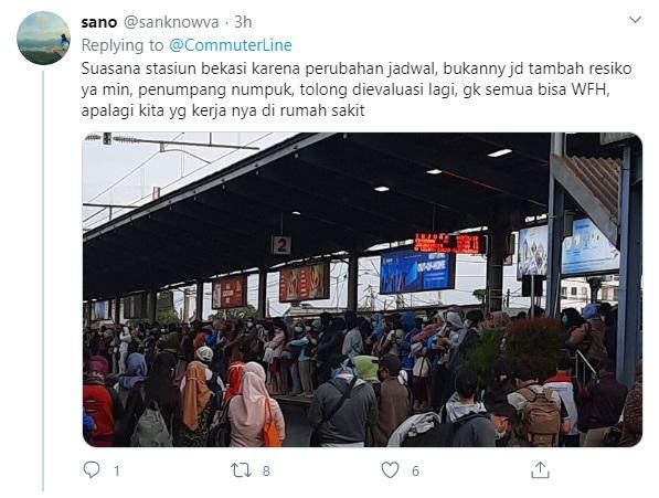 Ironi <i>Social Distancing</i> di Gerbong KRL