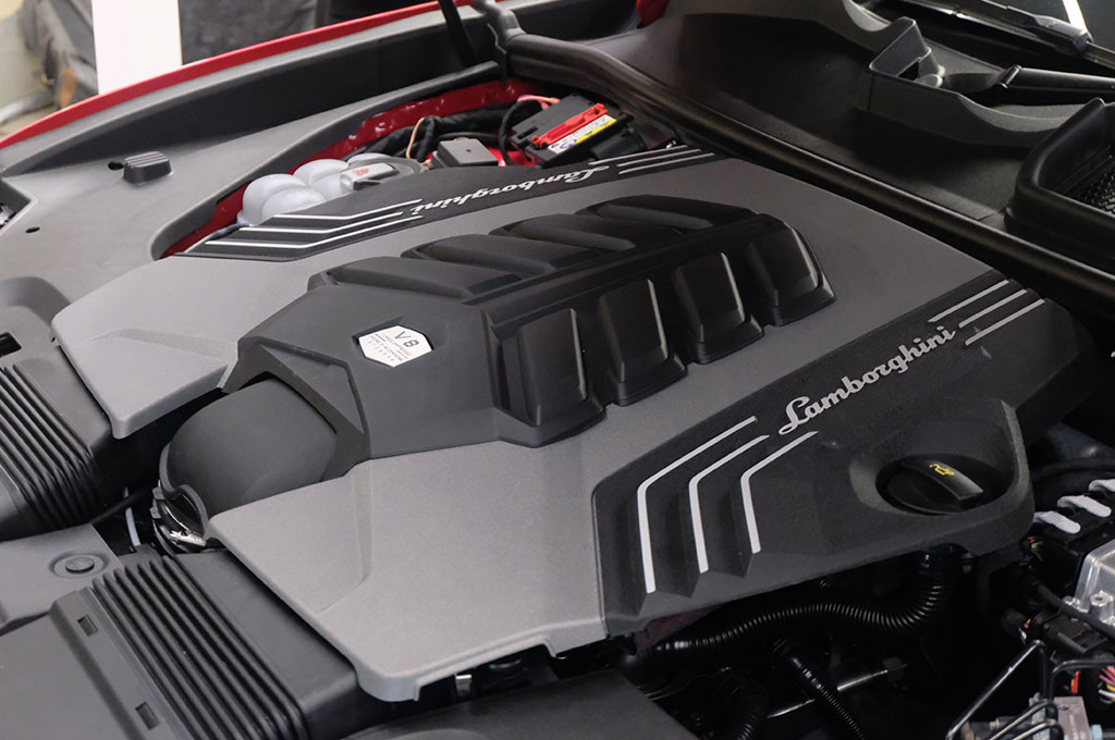 SUV Pertama Lamborghini 'Mengaspal' di Indonesia