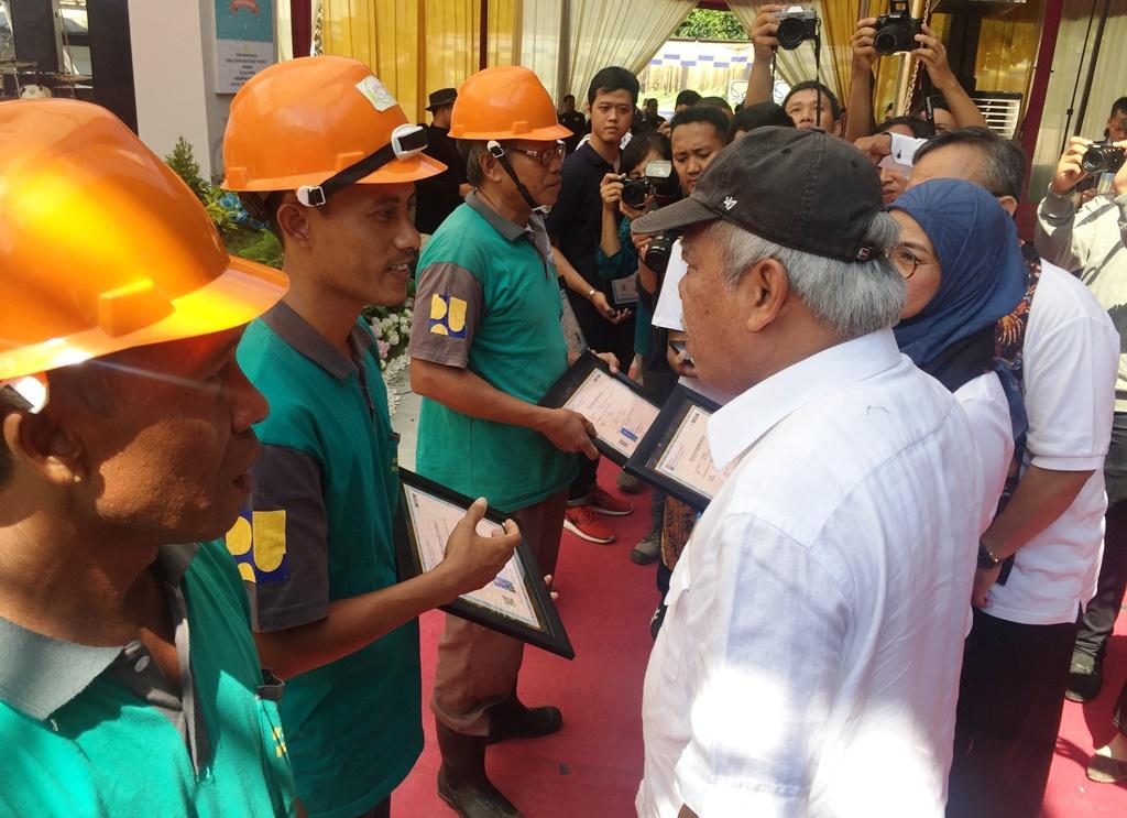 Gebukan Drum Menteri PUPR Tandai Peresmian Rusunawa Unikal