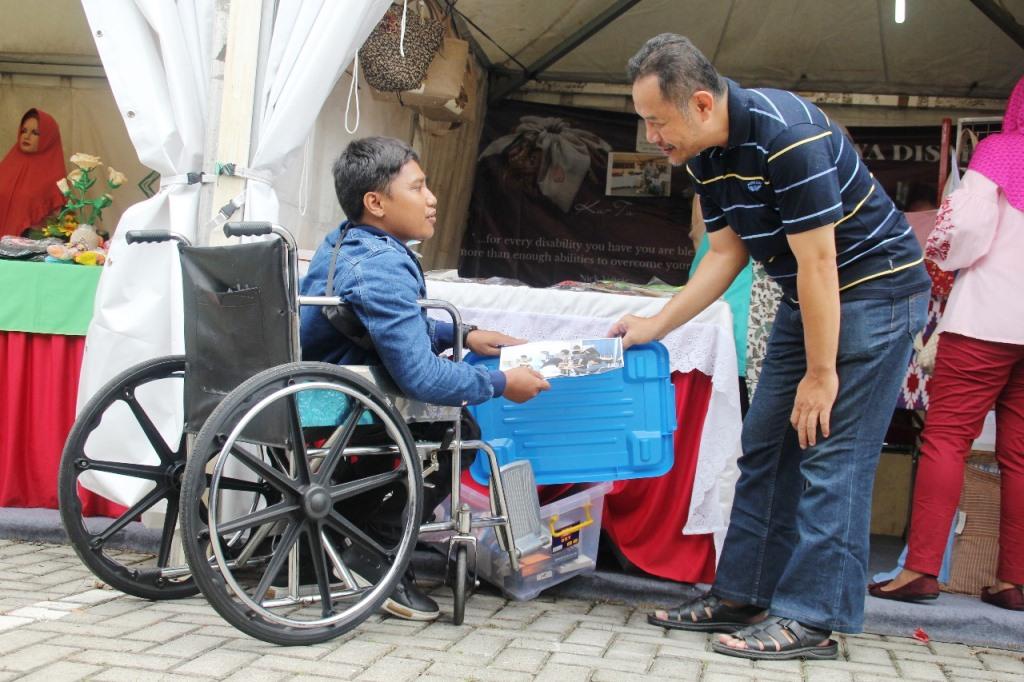 Mensos Agus Gumiwang Buka Pameran Hari Disabilitas Internasional 2018