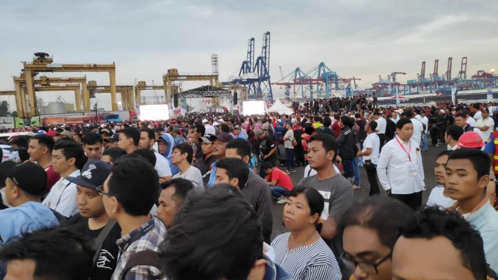 Jokowi: Pengemudi Truk dan Bus Profesi Mulia