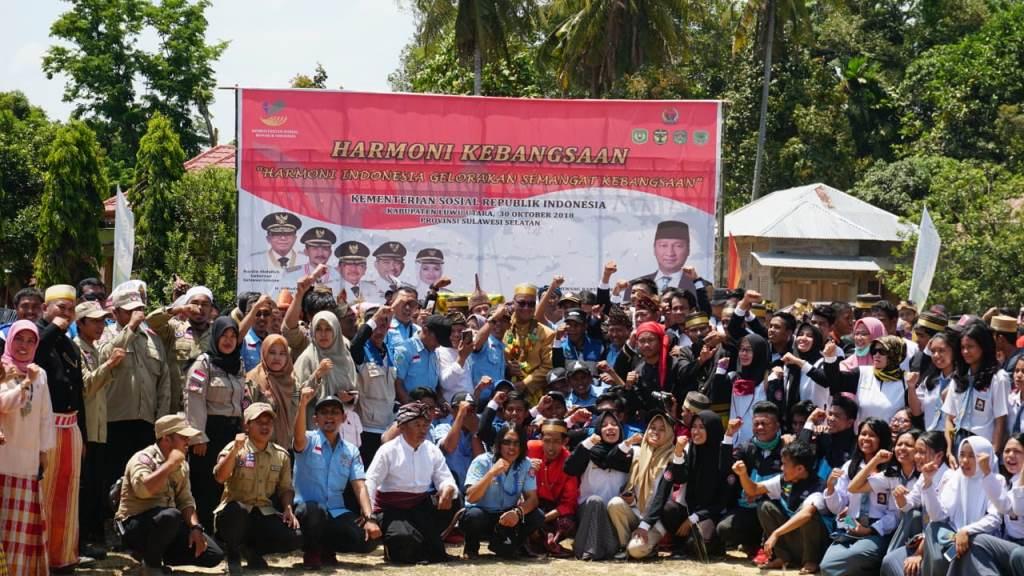 Mensos Serahkan Bantuan Rp3,375 Miliar di Luwu Utara