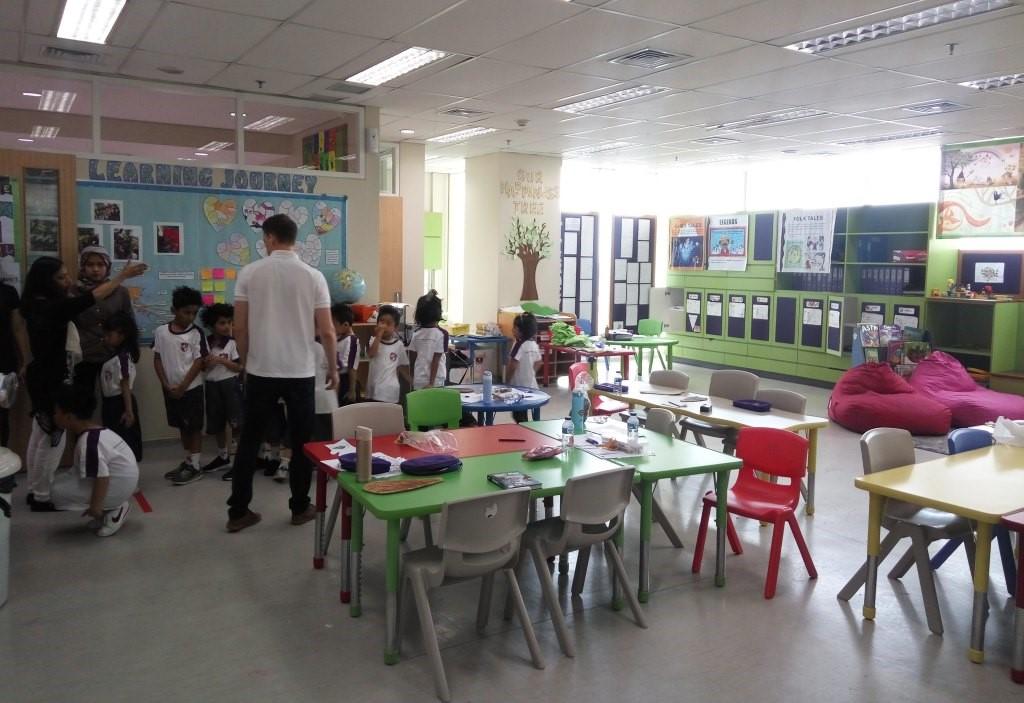 Royal Primary Academy Fokus Kembangkan Otak Kiri dan Kanan Anak