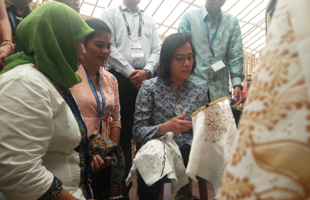 Sri Mulyani Nyanyikan Lagu Frank Sinatra di Indonesia Paviliun