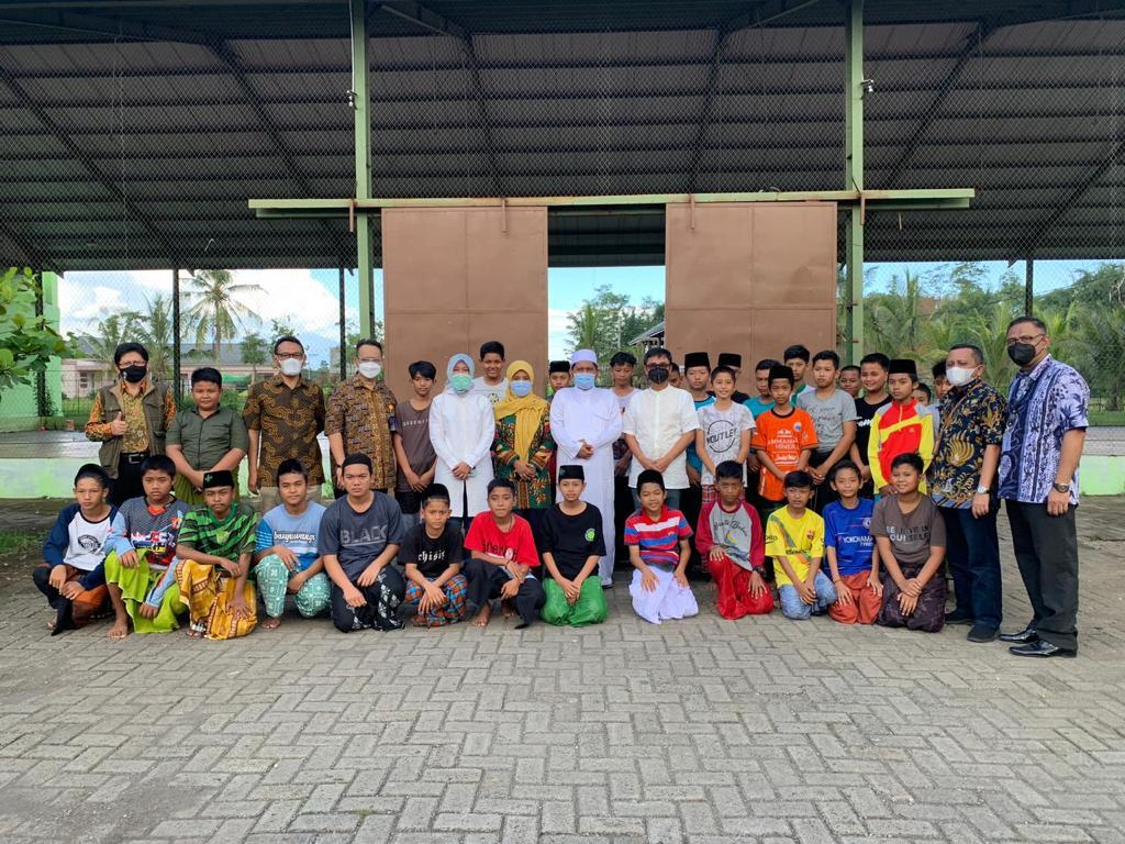 Ekspansif! Pos Indonesia Gandeng 1.000 Pondok Pesantren Jadi Agen Pos