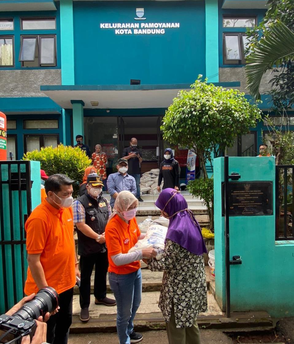 Salurkan Bansos Beras di Jabar, Pos Indonesia Terapkan Strategi Khusus
