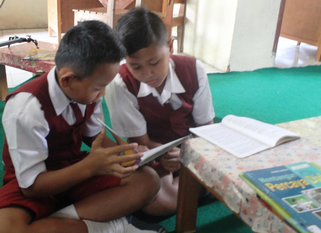 Stok Terbatas, Siswa Terpaksa Dibatasi Meminjam Buku