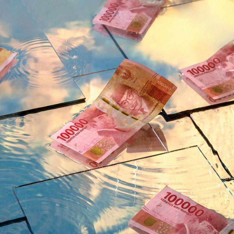Ajakan Laze Melupakan Masalah Ekonomi lewat Lagu Turun dari Langit