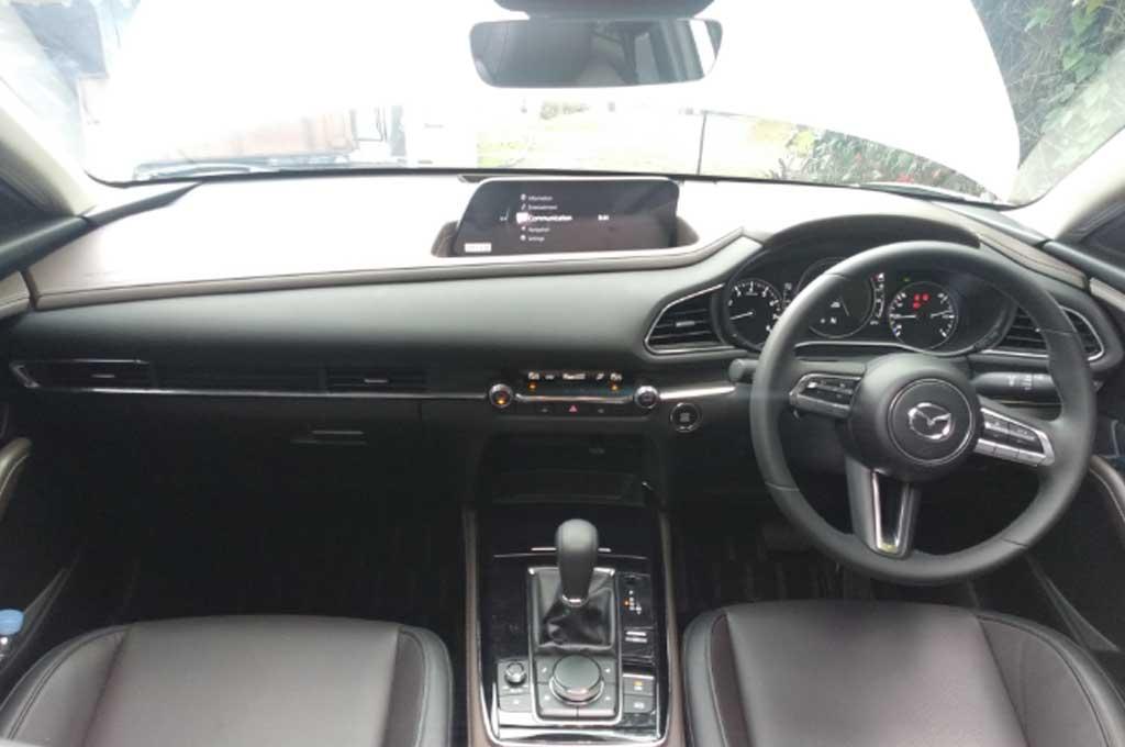 Karakter SUV Mazda CX-30, Galak di Rute Cikampek-Lembang