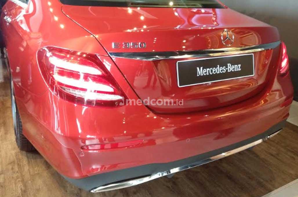 Sedan Bisnis Mercedes-Benz E 350 AMG Line, Resmi Meluncur