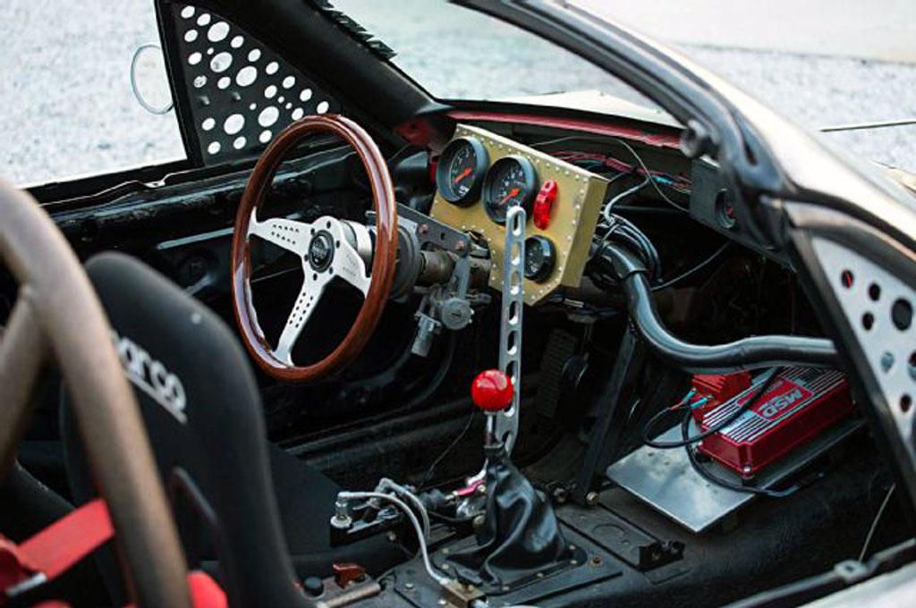 Modifikasi Ekstrim Mazda Miata 1991 Bergaya Hot Rod