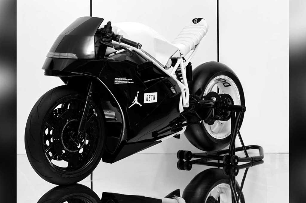 Ducati 916 'Adopsi' Gaya Nike Air Jordan