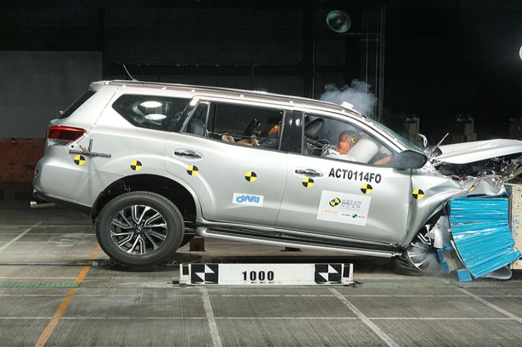 Nissan Terra Diganjar Bintang 5 dari ASEAN NCAP