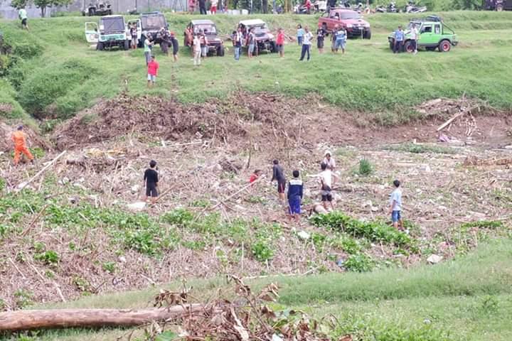 Raungan Mobil <i>Offroad</i> yang Bersihkan Sungai Kalianyar