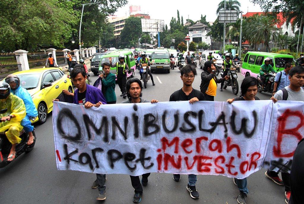 Pakar: Banyak Negara Kapok Pakai Omnibus Law