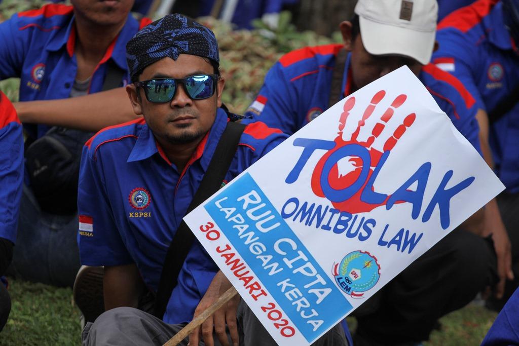 Lima Hal Janggal Terselip di Omnibus Law Cipta Kerja