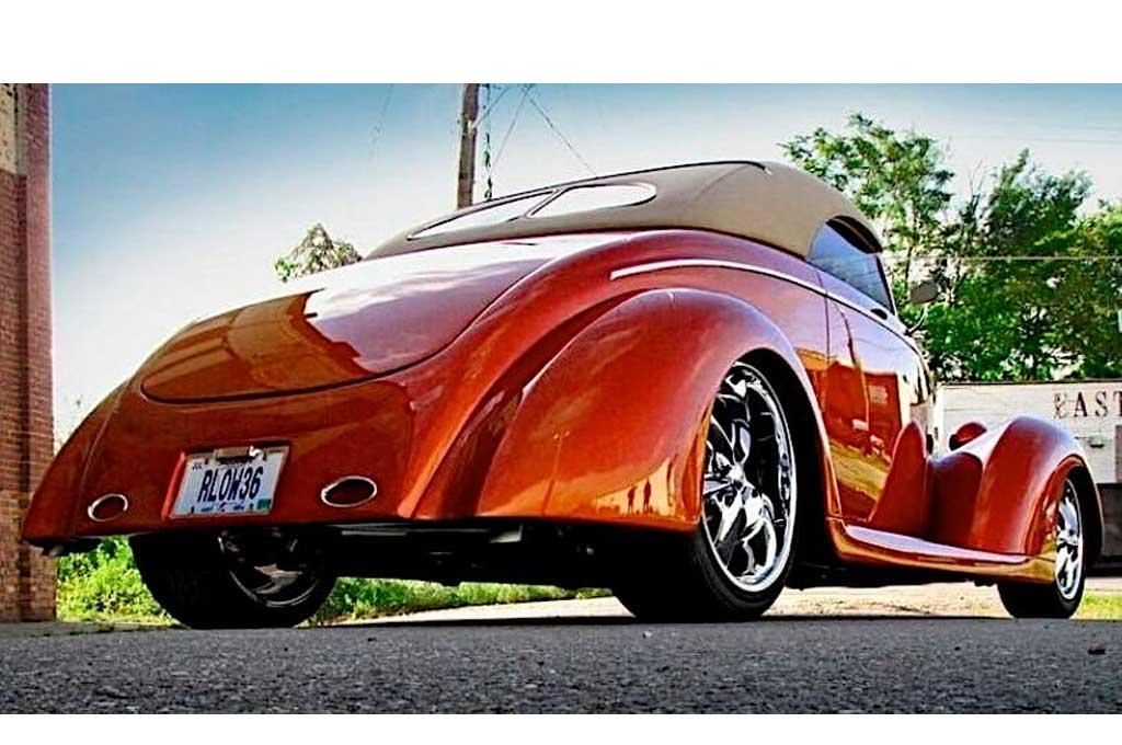 Tampilan Klimis Ford Roadster 1936 Bergaya Street Rods