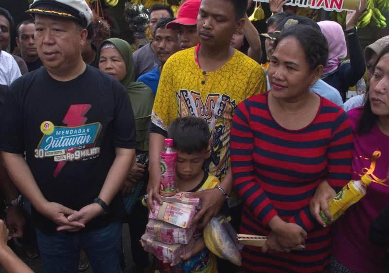 Wah! Seorang Ibu Dapat Rp300 Juta dari Undian Tutup Botol Minuman Kemasan