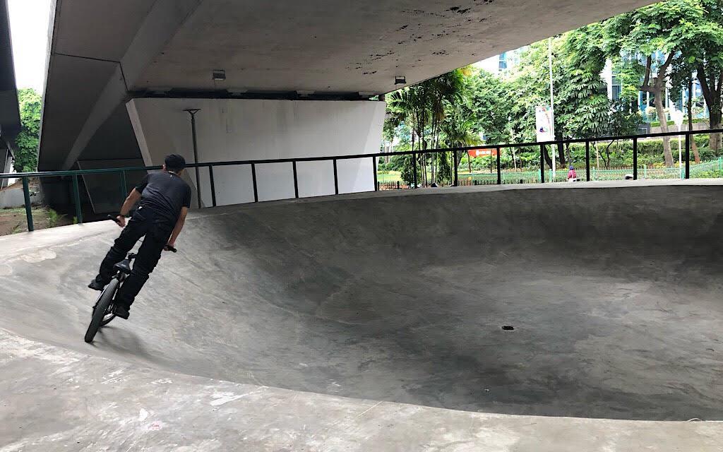 Kolong <i>Flyover</i> Slipi Disulap Jadi Skatepark