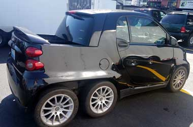 Smart ForTwo Tampil Nyentrik ala TNT Promotional Vehicle