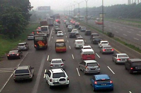 Perhatikan Batas Kecepatan Maksimal di Jalan Tol