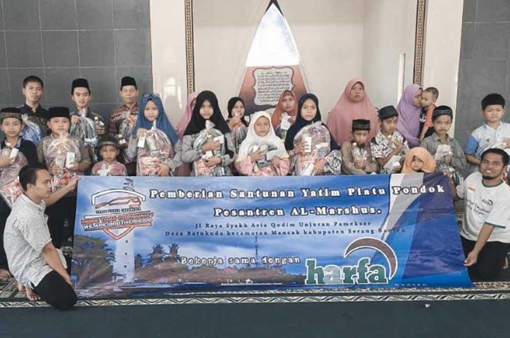 Komunitas Trailblazer Indonesia Touring dan Baksos ke Anyer