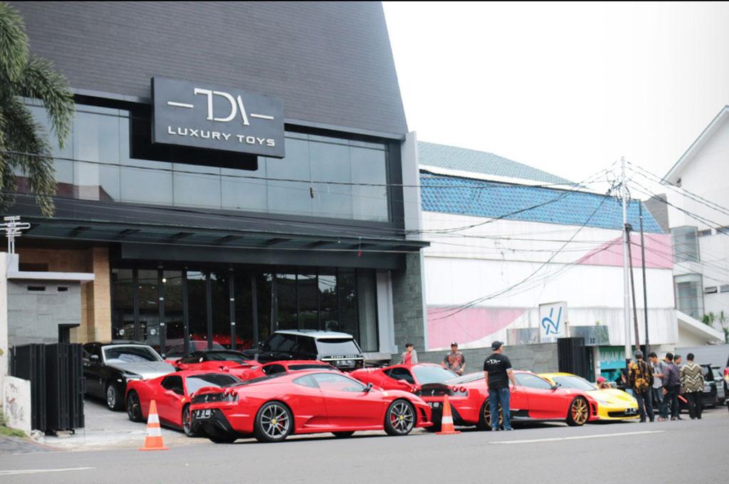 Mengais Rezeki dari Supercar Seken di Indonesia