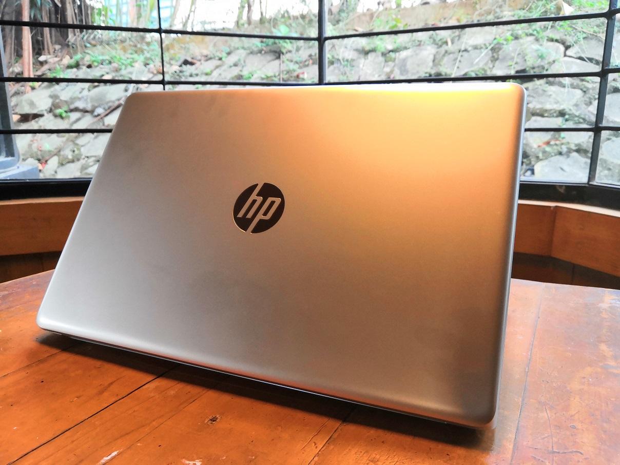 HP 15, Layar Lebar, Terjangkau, Bisa Diandalkan