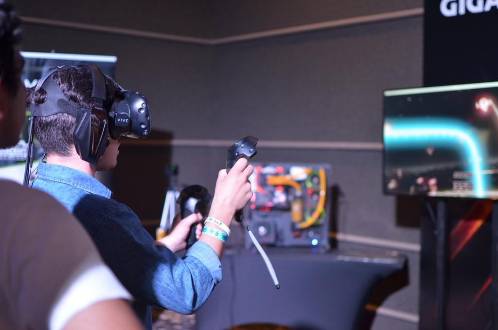 Pengiriman Headset VR Turun, IDC Optimistis Pasar Membaik