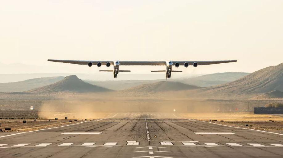 Pesawat Terbesar Dunia Lepas Landas