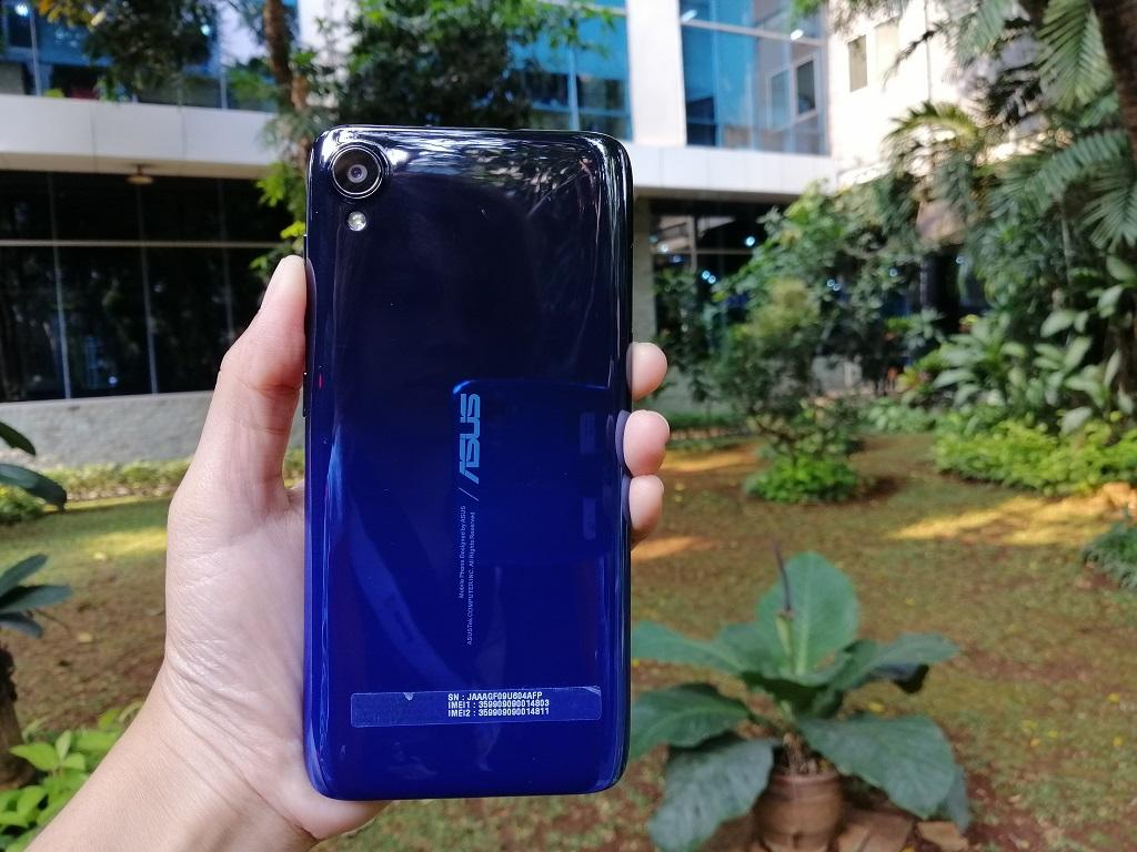 ASUS ZenFone Live L2, Kelas Pemula Berdesain Trendi