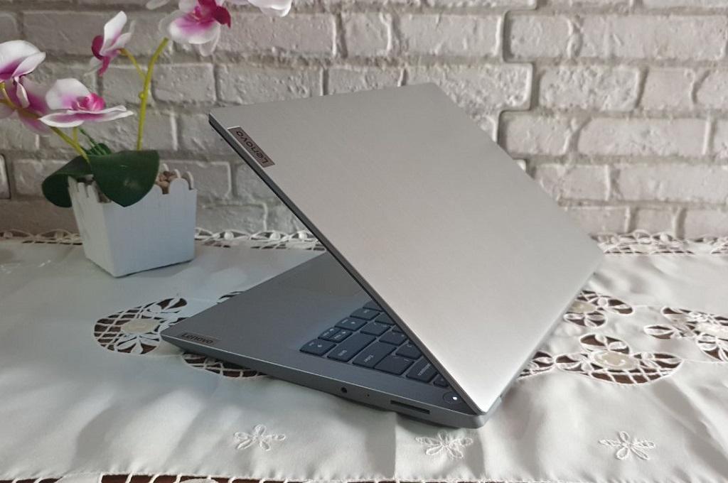 Lenovo IdeaPad Slim 3, Cepat, Menyenangkan