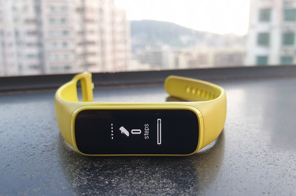Samsung Galaxy Fit e, Unik, Terjangkau, Kurang Responsif