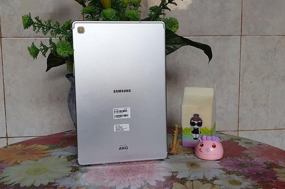 Samsung Galaxy Tab S5e, Tipis dan Luas