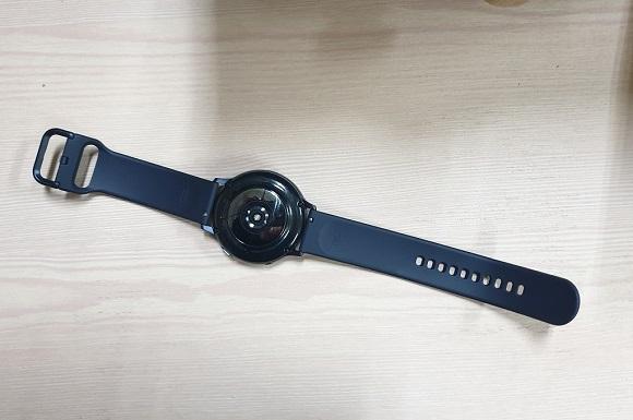 Samsung Galaxy Watch Active 2 Elegan dan Responsif, Baterainya?