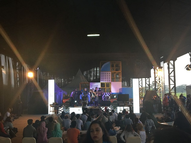 Delegasi BDF X Kagumi Produk Kreatif Pemuda RI di Bandung