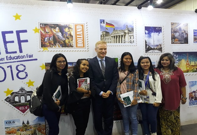 Antusiasme Pelajar di Pameran Pendidikan Tinggi Eropa 2018