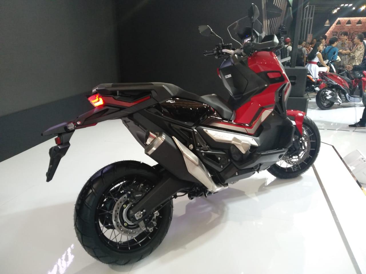 Honda X-ADV jadi Sepeda Motor Matik untuk Berpetualang