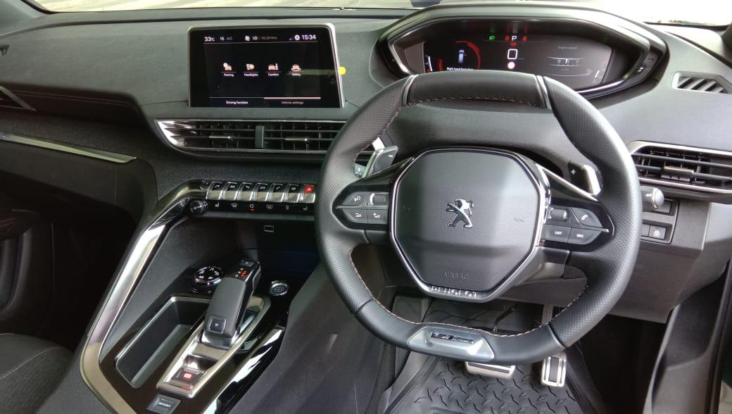 Peugeot Mainkan Segmen SUV 7-Penumpang dengan New 5008