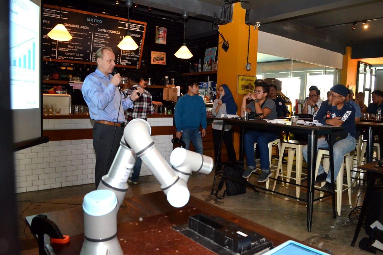 Teknologi Robotik Tingkatkan Efisiensi Industri Otomotif