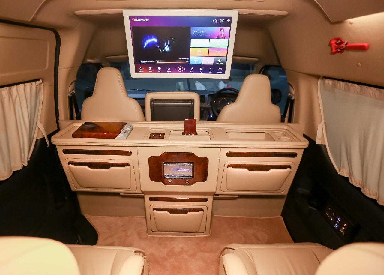 Kabin Eksotis dan Mewah Toyota HiAce Garapan BAV