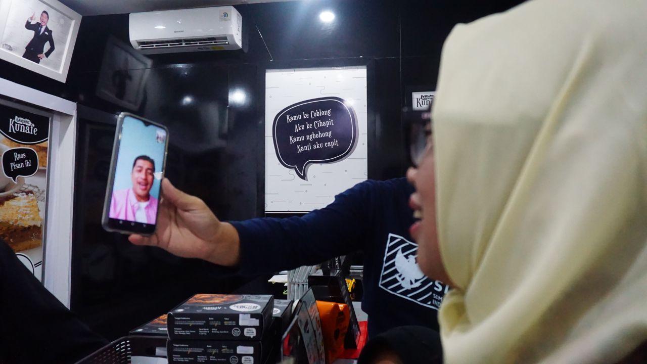Irfan Hakim Sebisa Mungkin Urus Bisnis Kulinernya