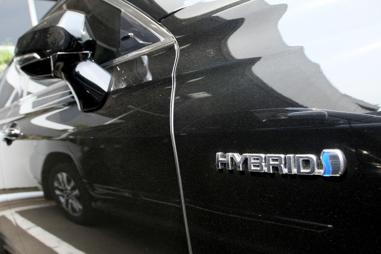 Mohon Maaf, Toyota Crown Hanya untuk Pejabat Negara
